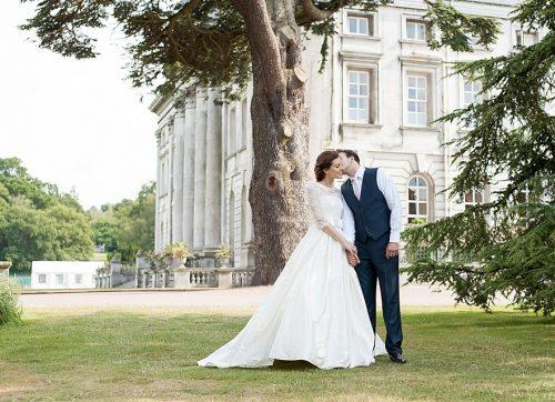 Hertfordshire wedding photographer / An elegant Moor Park Mansion wedding