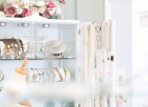 Day in the Life of a business / Luella's Bridal Boutique