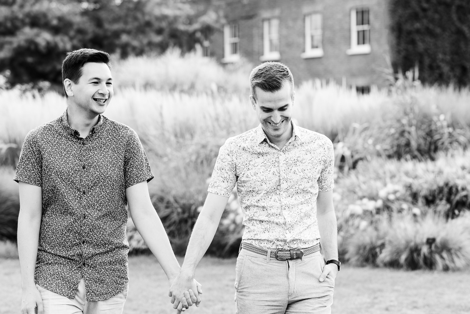 same-sex-engagement-photography-kew-gardens