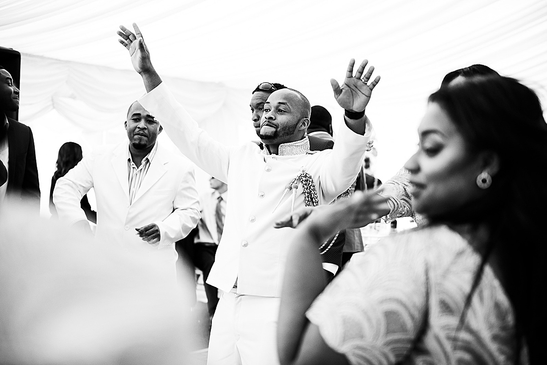 lively African wedding in London © Fiona Kelly Photography