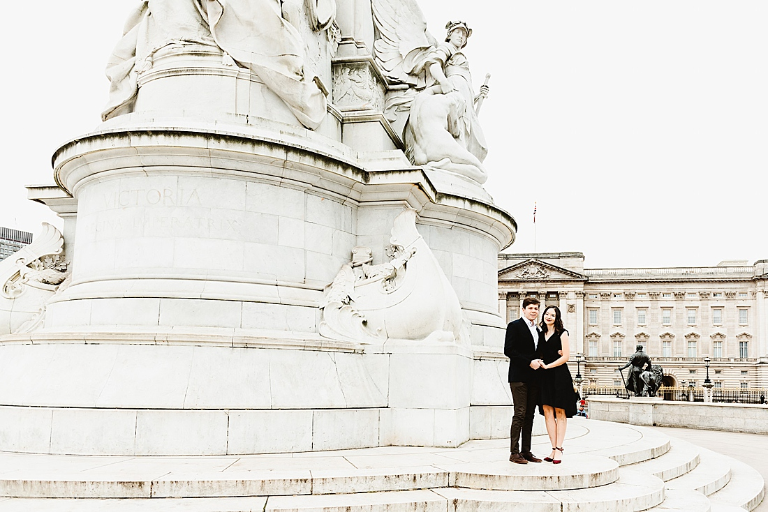 Buckingham Palace London engagement photography