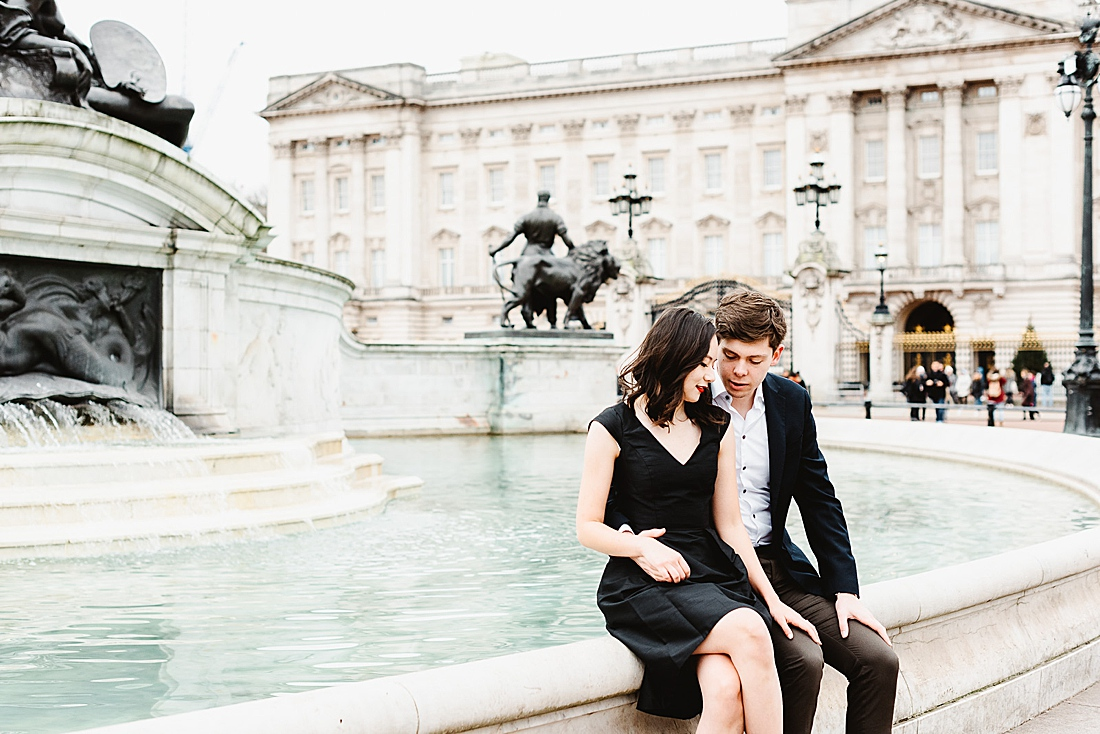 Iconic London engagement shoot - Hanel & Davies