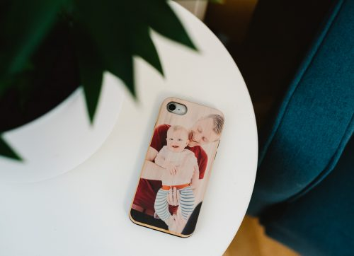 Ideas for using your photos to personalise your phone and more